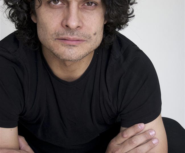 Entrevista a Juan Luis Corrientes actor, profesor especializado en Commedia del' Arte y antiguo alumno del Laboratorio de TNT