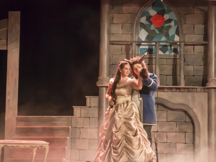 """""""La Bella y la Bestia"""" inaugura temporada en el Teatro TNT"""
